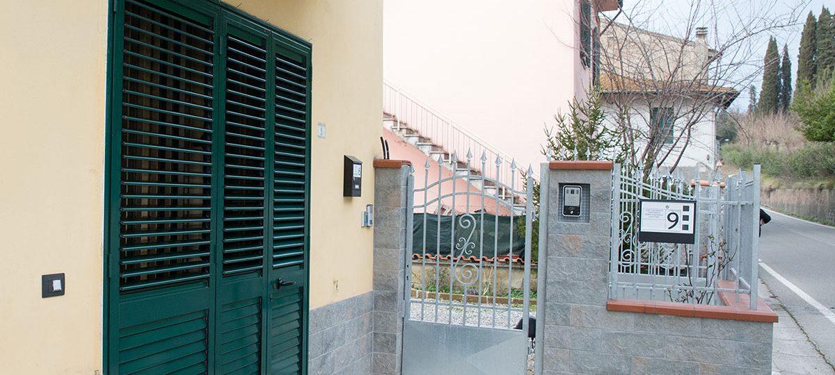 https://www.casalina.eu/wp-content/uploads/2016/09/ingresso-esterno-casalina-1200x540.jpg